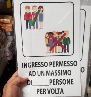 COMPLEMENTI DA ARREDO ,CARTELLO INGRESSO MASS.PERSONE AD.PVC MIS.CM.30X20
